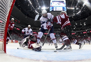 USA trounces Latvia 7-1