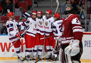 Russia remains atop Group A